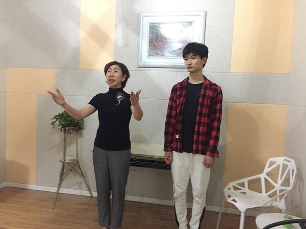 深圳艺考播音主持专业高考集训课程